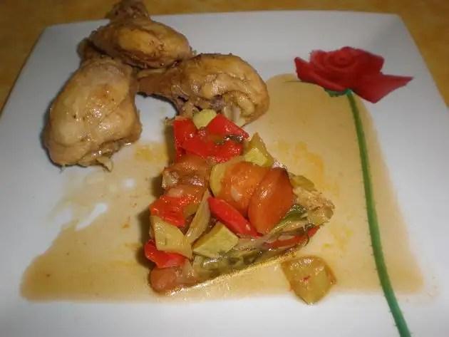 Muslos de pollo en jugo de cebolla