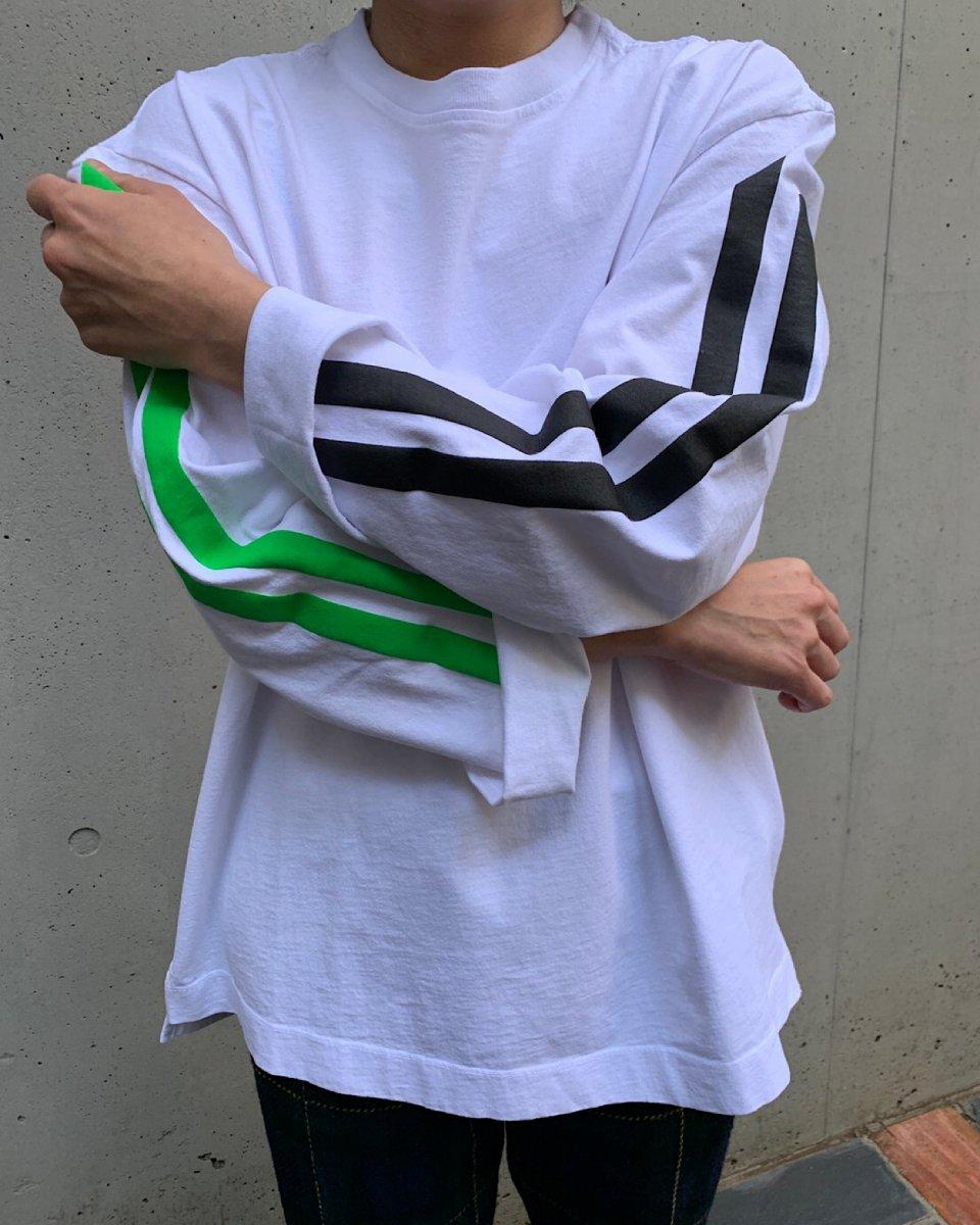 再入荷予定!KkCo x THE SHE コラボ 2ラインロングTシャツ 白 の写真
