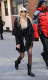 Taylor Momsen leggy and cleavagy on Gossip Girl set in New York City - Hot Celebs Home