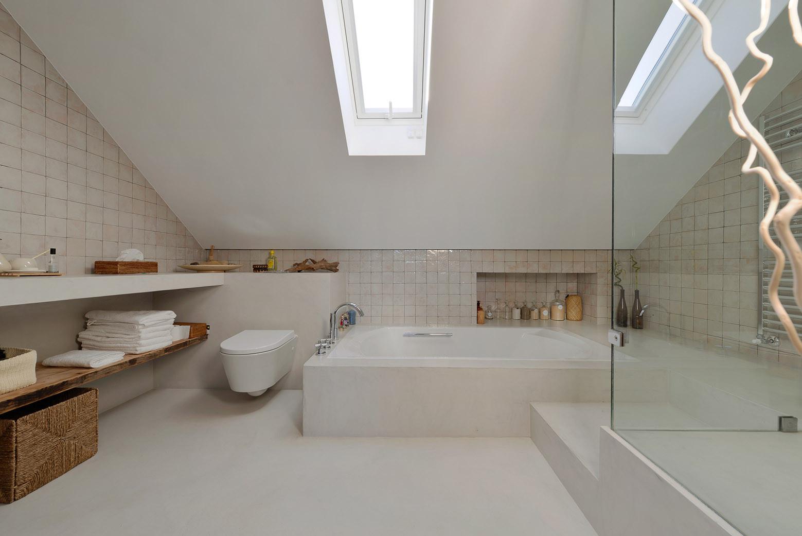 House in Estoril, Ricardo Moreno Arquitectos, Salle de bain principale