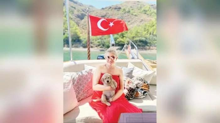 Muazzez Ersoy ailesiyle tatilde 7