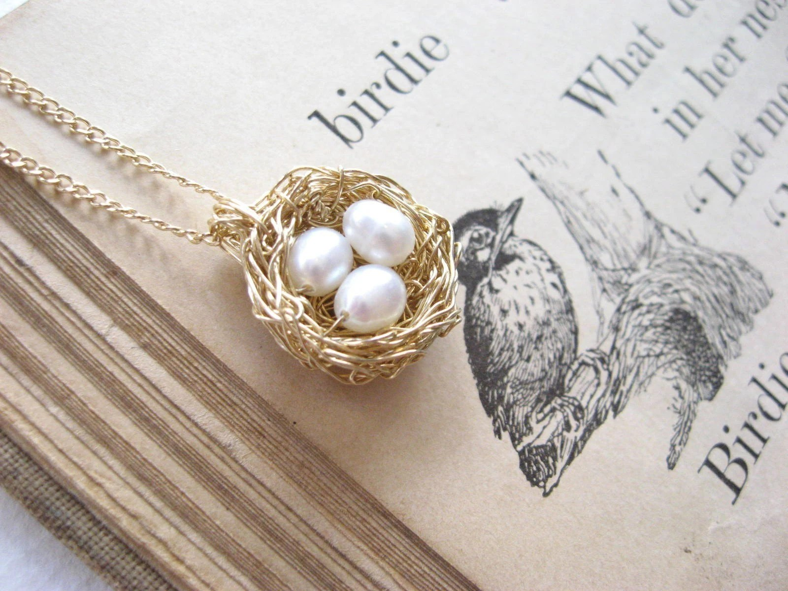 little bird's nest necklace...goldfill, 3 pearl eggs - PreciousMeshes