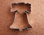 Liberty Bell Cookie Cutter - CupcakeSocial
