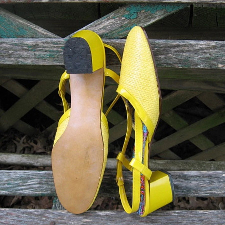bright yellow mod preppy shoes with sling backs and funky lining never own 8 81/2