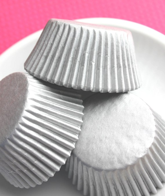 Matte Silver Cupcake Liners, Baking Cups (50) - thebakersconfections