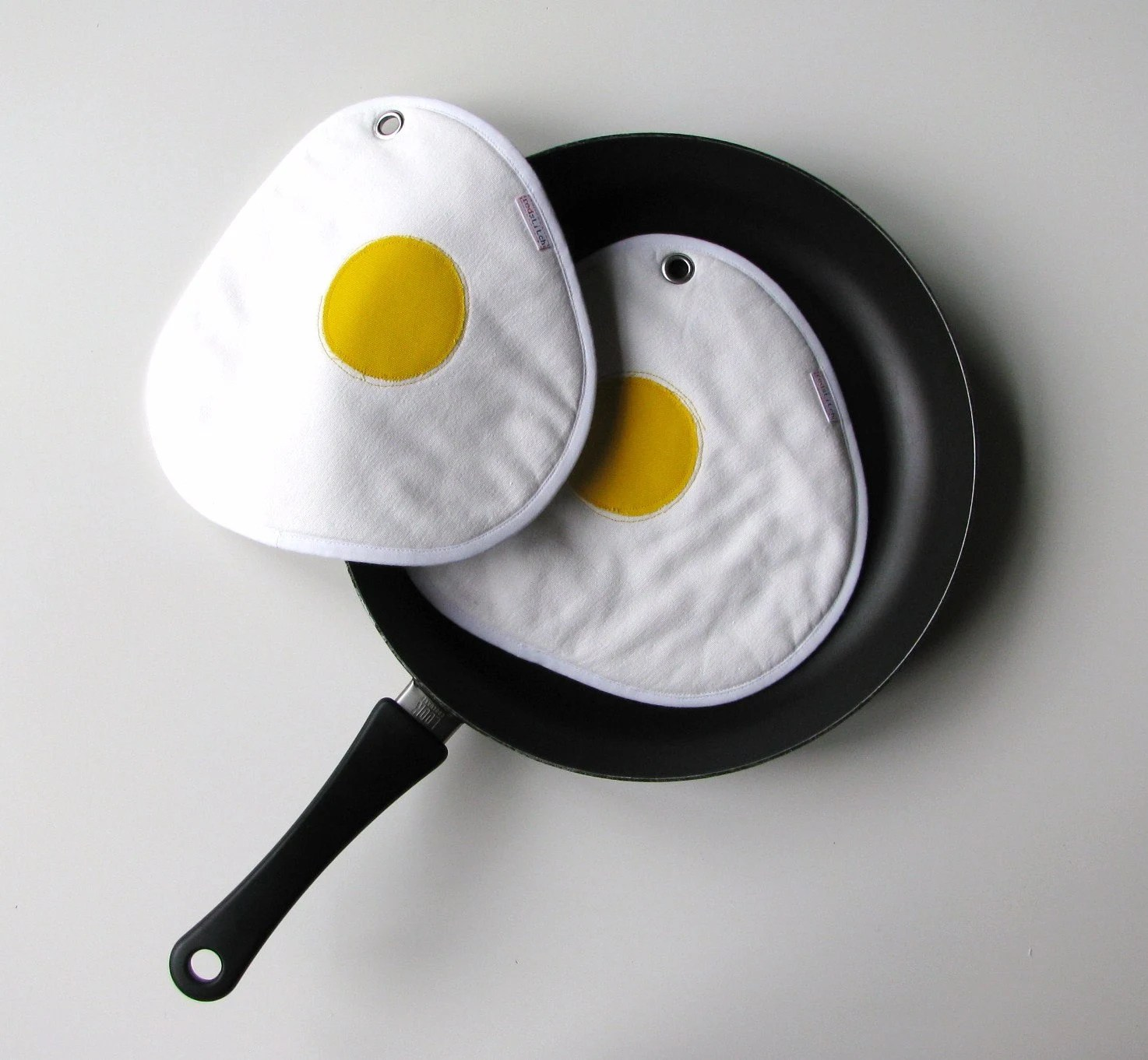 fried eggs pair of fun potholders - sunny side up - white - made to order - xxxRedStitcHxxx