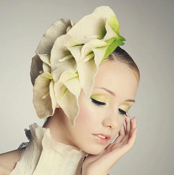 SALE 20% OFF - Elegant flower Calla Lily fascinator hat with merino wool, silk fibers and chiffon silk - EveAndersFashion