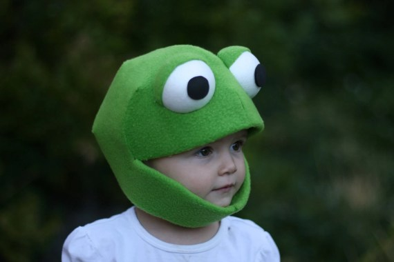 Frog Mask Size Small Child - JustZipity