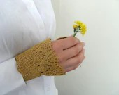 Gothic Gloves,Victorian Gloves, Yellow Gloves,Lace Gloves, Mustard Yellow, Crocheted Gloves, Pearl Buttons Bridesmaid gift, Fall Wedding - SmilingKnitting