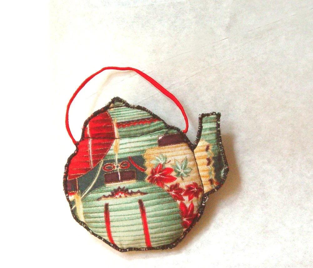FRIDGE MAGNET, Quilted Teapot, Home Decoration, Red Green - BozenaWojtaszek