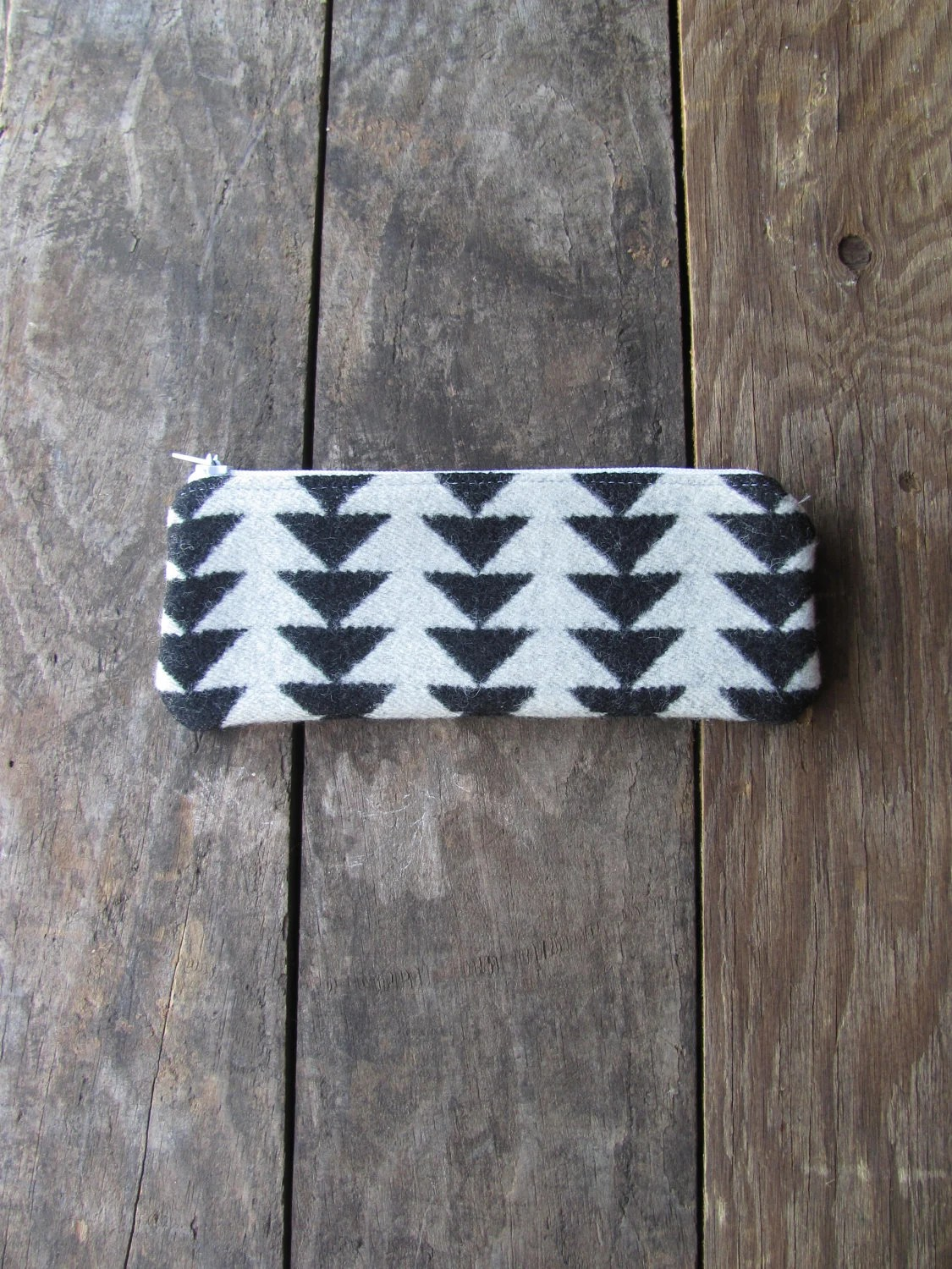 White and Black Arrows Pendleton Wool Pouch - Ohlnu