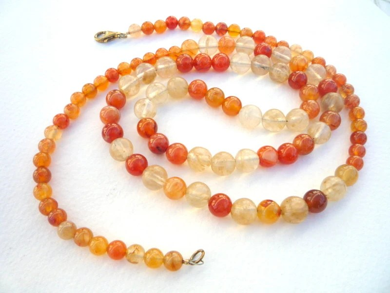 Carnelian and Moss  Quartz semiprecious stones long necklace.