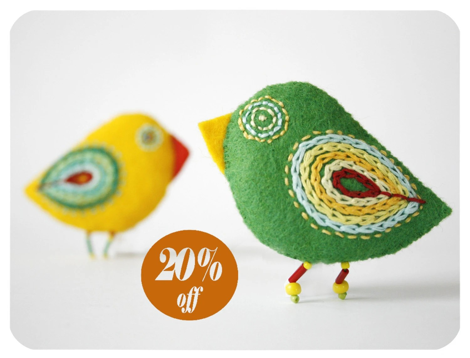parrot pins - felted birds - moloco