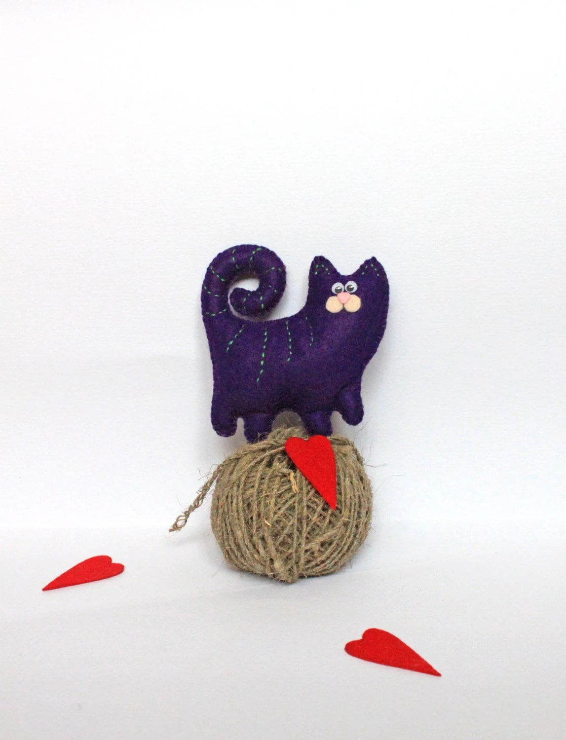 Felt cat home decor - Felt cat pin - - MiracleInspiration