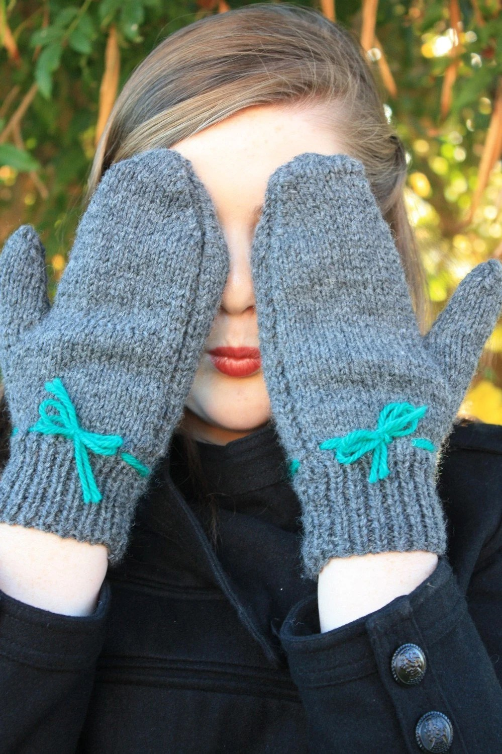 Simply Sweet Mittens in Gray