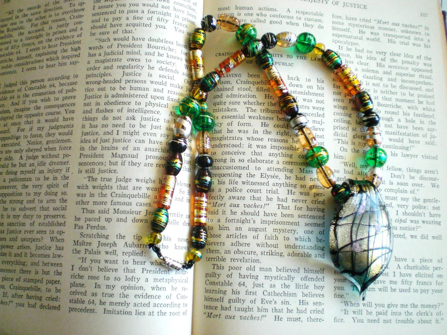 Metalica beaded necklace