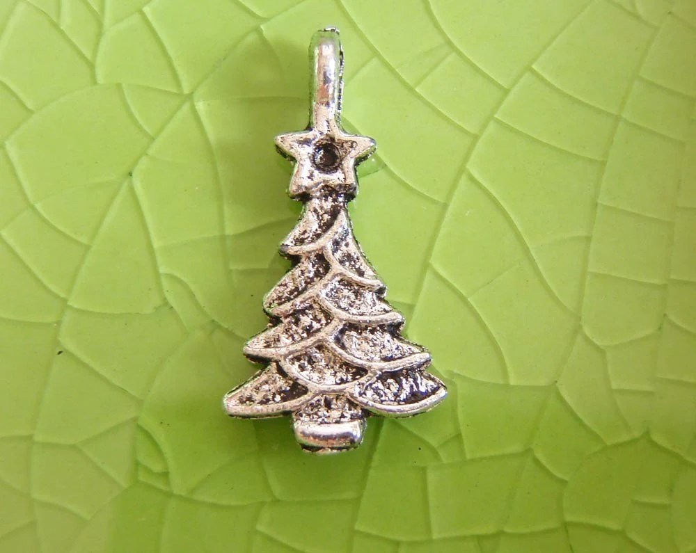 10 silver Christmas Tree charms pendants santa claus presents holiday vacation winter 21mm x 11mm - C0176-10