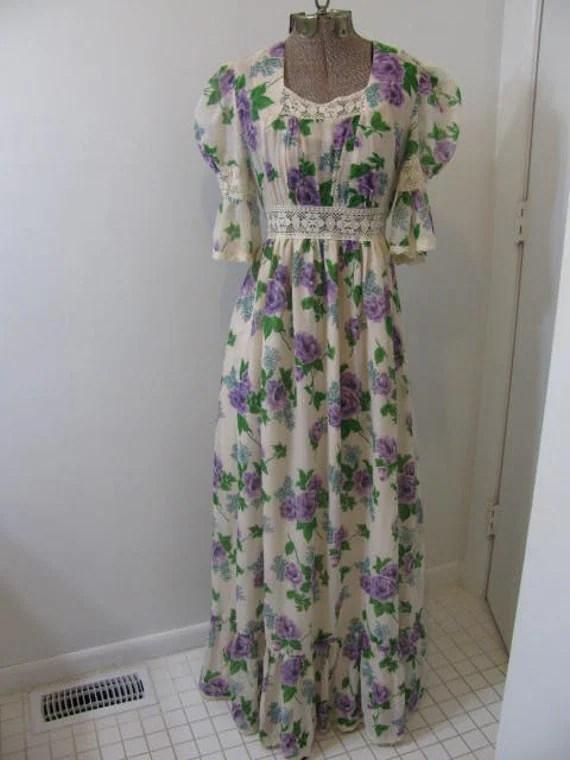 Vintage 70s 1970s Seventies Maxi Length Dress Boho Hippie Lavendar Floral Romantic Print by Rae Dolls Size Small