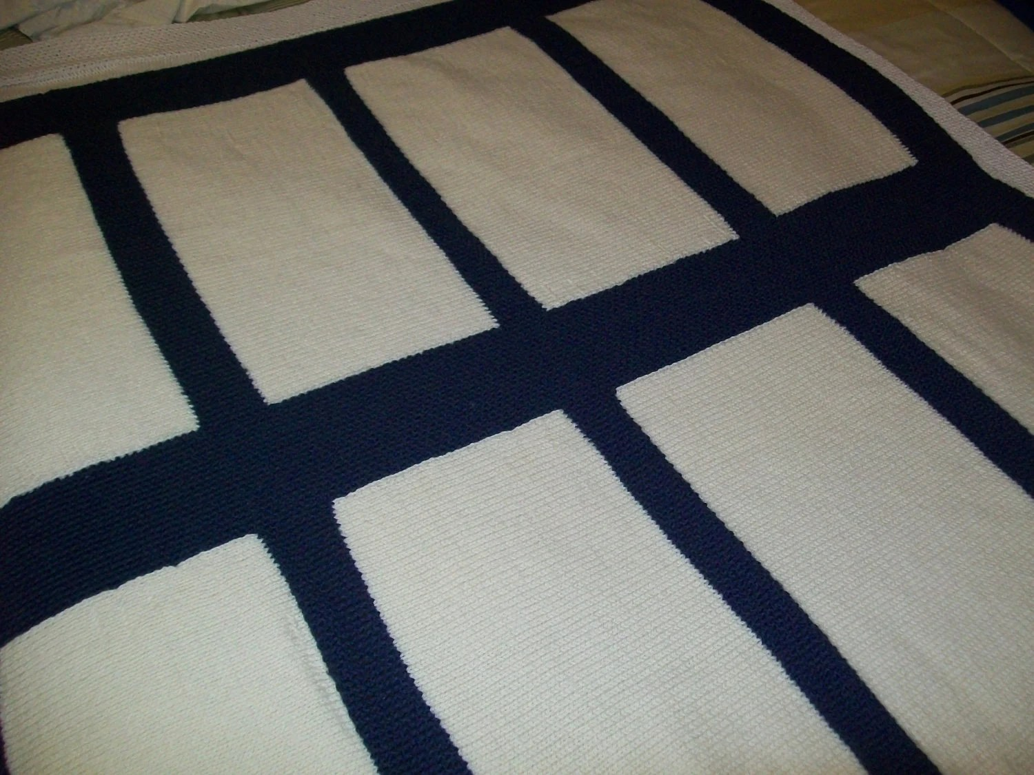 100% Wool Lap Blanket. Navy Blue and White Pattern. Stockinette Stitch Thow .
