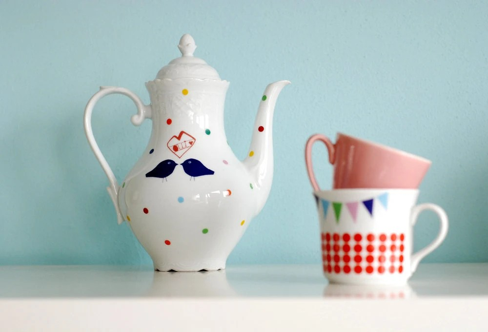 Lovebirds Polka Dot Teapot by Ninainvorm