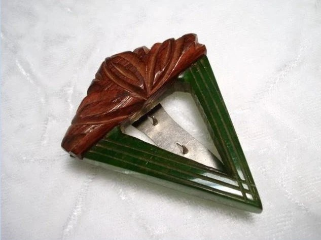 Wood and Bakelite Art Deco Dress/Fur clip from bodaciousjewels on Etsy