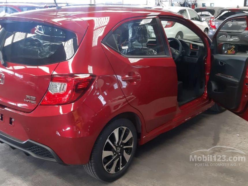 Beli honda brio online terdekat di makassar berkualitas dengan harga murah terbaru 2021 di tokopedia! Jual Mobil Honda Brio 2021 RS 1.2 di Jawa Barat Automatic Hatchback Merah Rp 151.000.000 ...