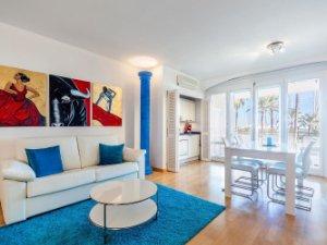 the living room with sky bar %e4%b8%80%e4%bc%91 diy wood furniture property for sale in el terreno palma de mallorca apartments premium