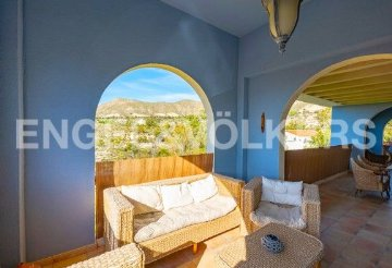 the living room with sky bar %e4%b8%80%e4%bc%91 rustic cabin decorating ideas property for sale in el campello alicante houses and flats idealista premium