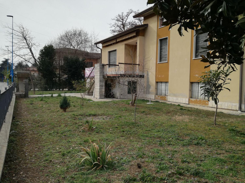 Casa Indipendente In Vendita In Via Lucio Fiorentini 70