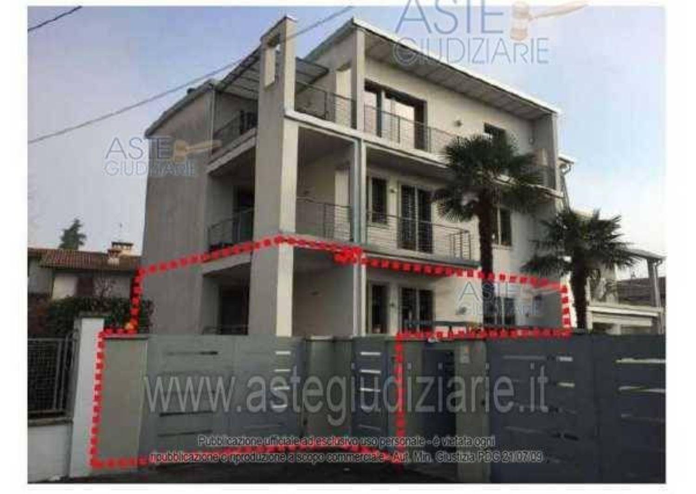 Appartamento In Vendita In Via Badia 52 58 Urago Badia