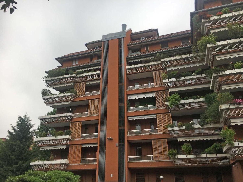 Appartamento In Vendita In Via Fratelli Cervi Milano Due