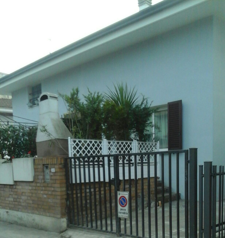Casa Indipendente In Vendita In Via Primo Amati 44