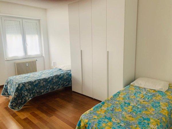 Dal 2011 abbiamo ricavato un piccolo showroom vicino ai nostri uffici a udine e. Stanze In Affitto In Provincia Di Udine Idealista