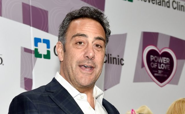 The Reason You Don T Hear From Brad Garrett Anymore