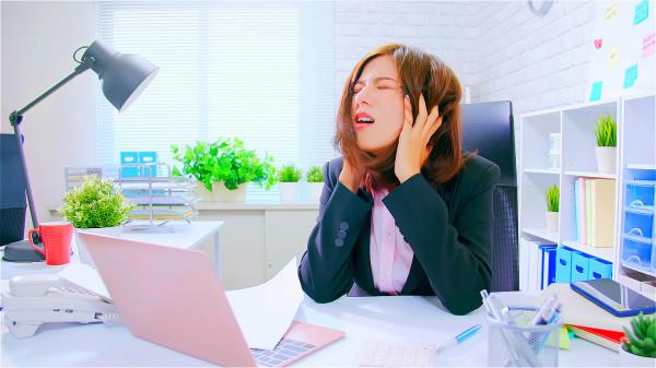 比生產更痛 頭部三叉神經劇痛怎麼治療?(組圖)|頭痛 | 神經疼痛 | 三叉神經 | 血管 | 療養保健 | 看中國網