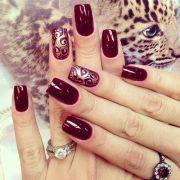 nieziemsko stylowy manicure kolorze