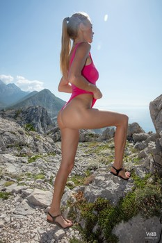 Watch4Beauty -Nancy A  – To The Top