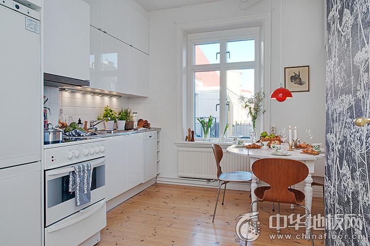 white kitchen floor professional oven 厨房木地板装修效果图北欧白色风格厨房 品牌产品 中华地板网