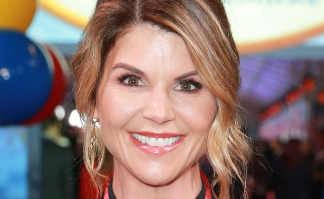 Lori Loughlin And Her Husband S Real Net Worth