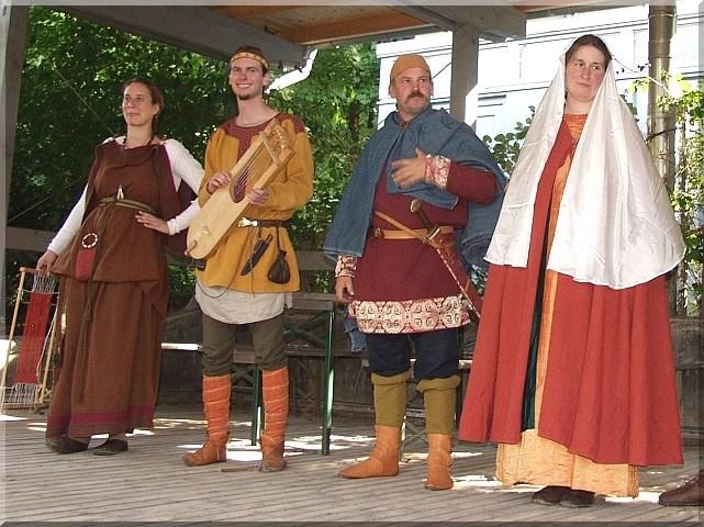 Kleidung  Mittelalter Wiki  Mittelalter  Reenactment