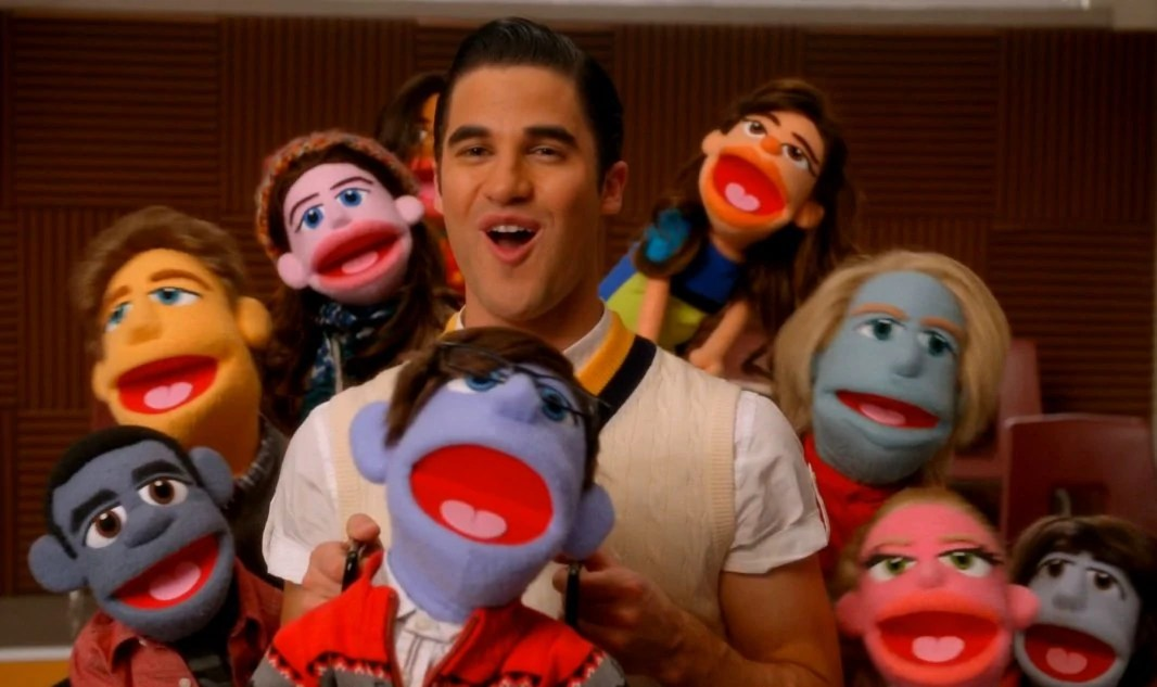 Blaine and muppets from Glee