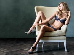 Doutzen Kroes in lingerie posing for Victoria's Secret - Hot Celebs Home