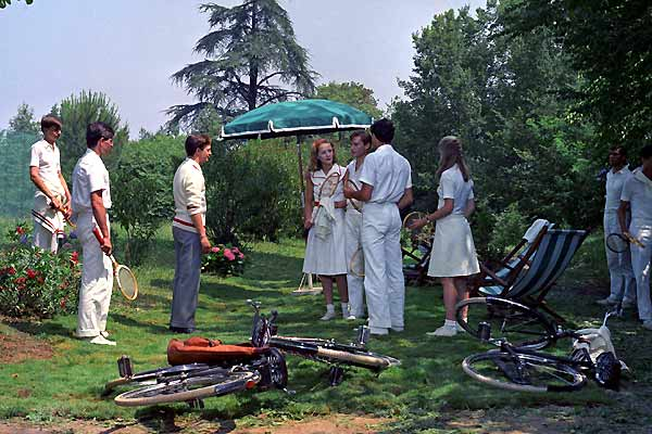A scene from The Garden of the Finzi-Continis