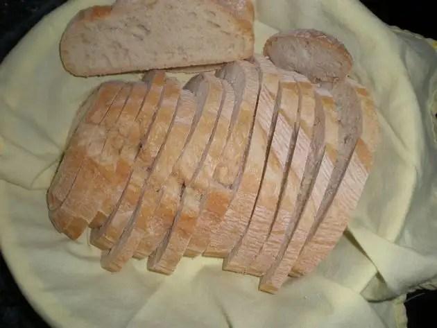 Pan artesanal troceado