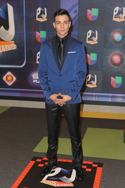 Luis Coronel Haircut 2015 : coronel, haircut, Coronel, Fashion, Style, Dress,, Clothes,, Hairstyle, FamousFix