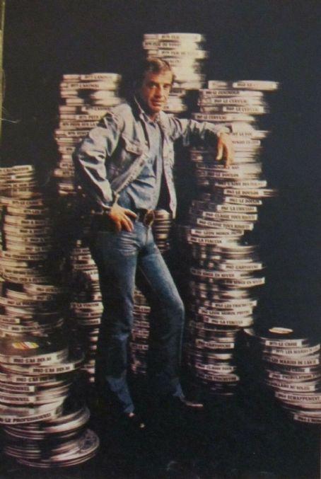 Jean-Paul Belmondo - Film Magazine Pictorial [Poland] (30 January 1983)
