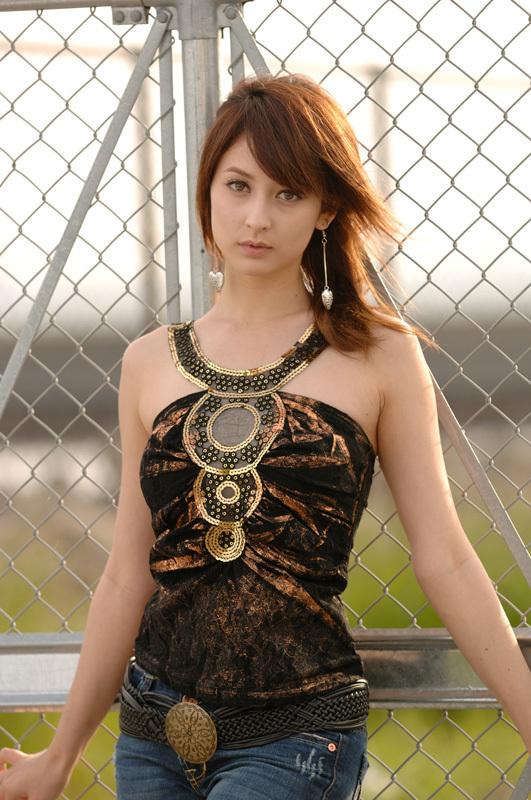 Leah Dizon Pictures