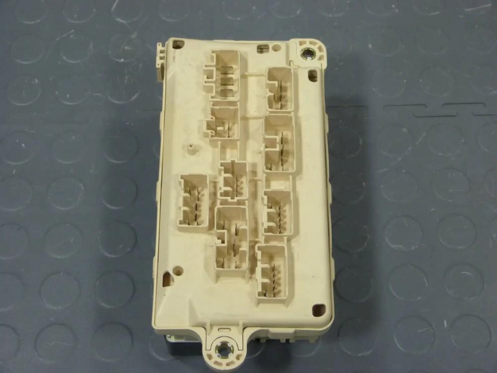 medium resolution of 95 lexus ls400 underhood fuse box assembly relays fuses fuse box 1993 lexus ls400 fuse box
