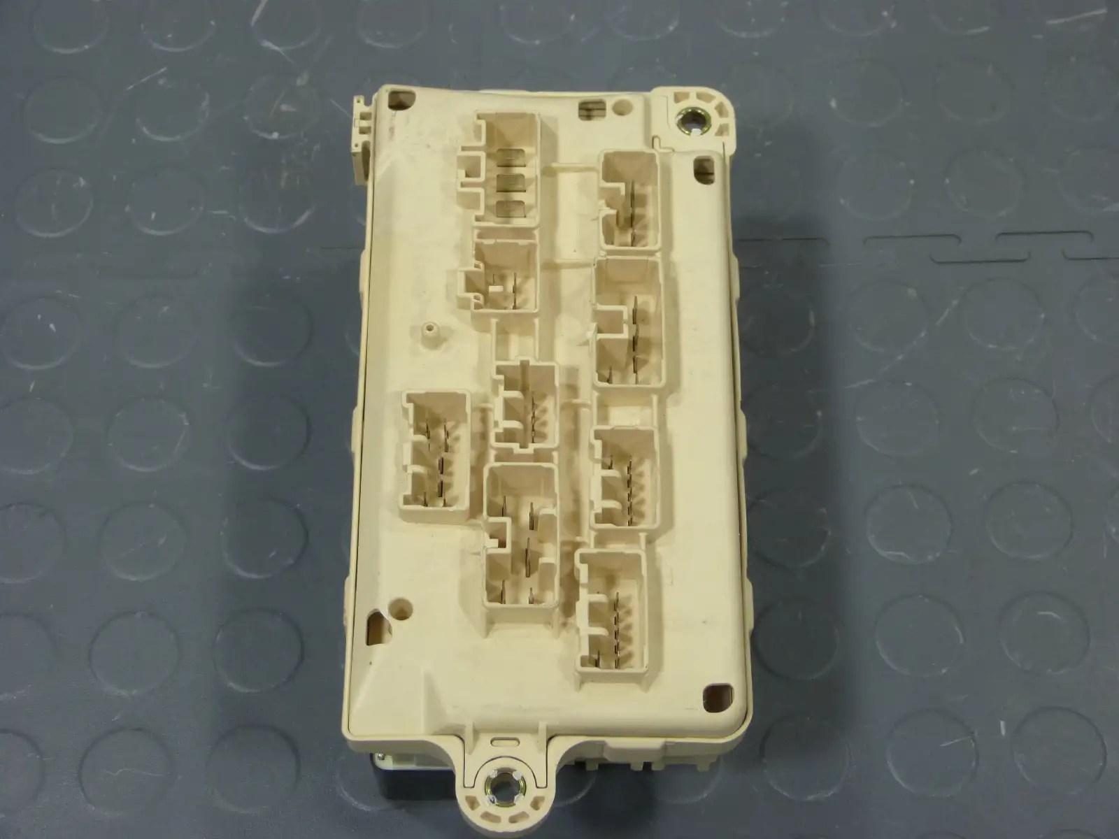 hight resolution of 95 lexus ls400 underhood fuse box assembly relays fuses fuse box 1993 lexus ls400 fuse box