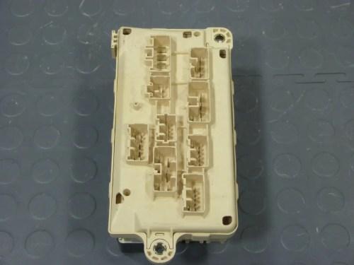 small resolution of 95 lexus ls400 underhood fuse box assembly relays fuses fuse box 1993 lexus ls400 fuse box